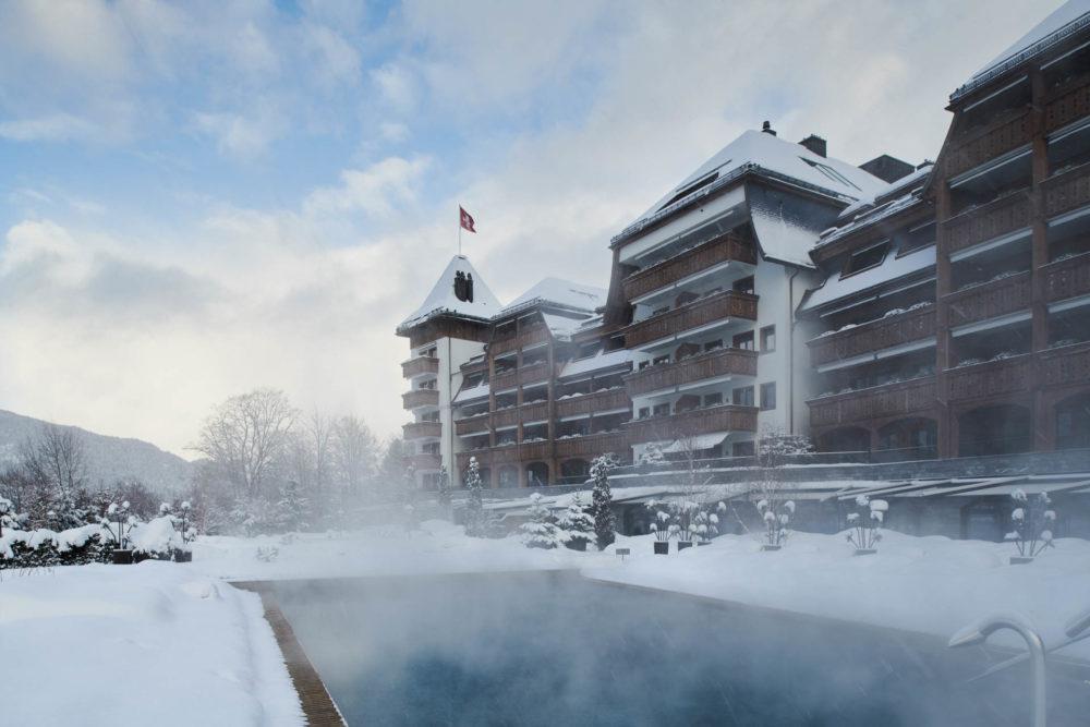 Lixe : L'Hôtel suisse Alpina Gstaad fait partie de nos client en Design sonore. Nous lui avons créé une radio personnalisée sur mesure
